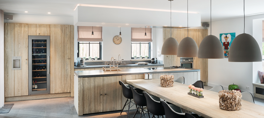 Houten keuken met kookeiland van Tinello #keuken #kookeiland #hout