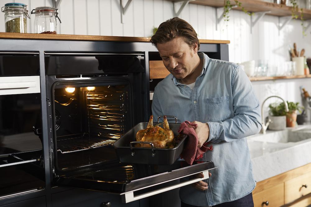 Jamie Oliver & oven van Bauknecht - gemakkelijk, gezond en puur koken. #keuken #keukenapparatuur #inbouwapparatuur