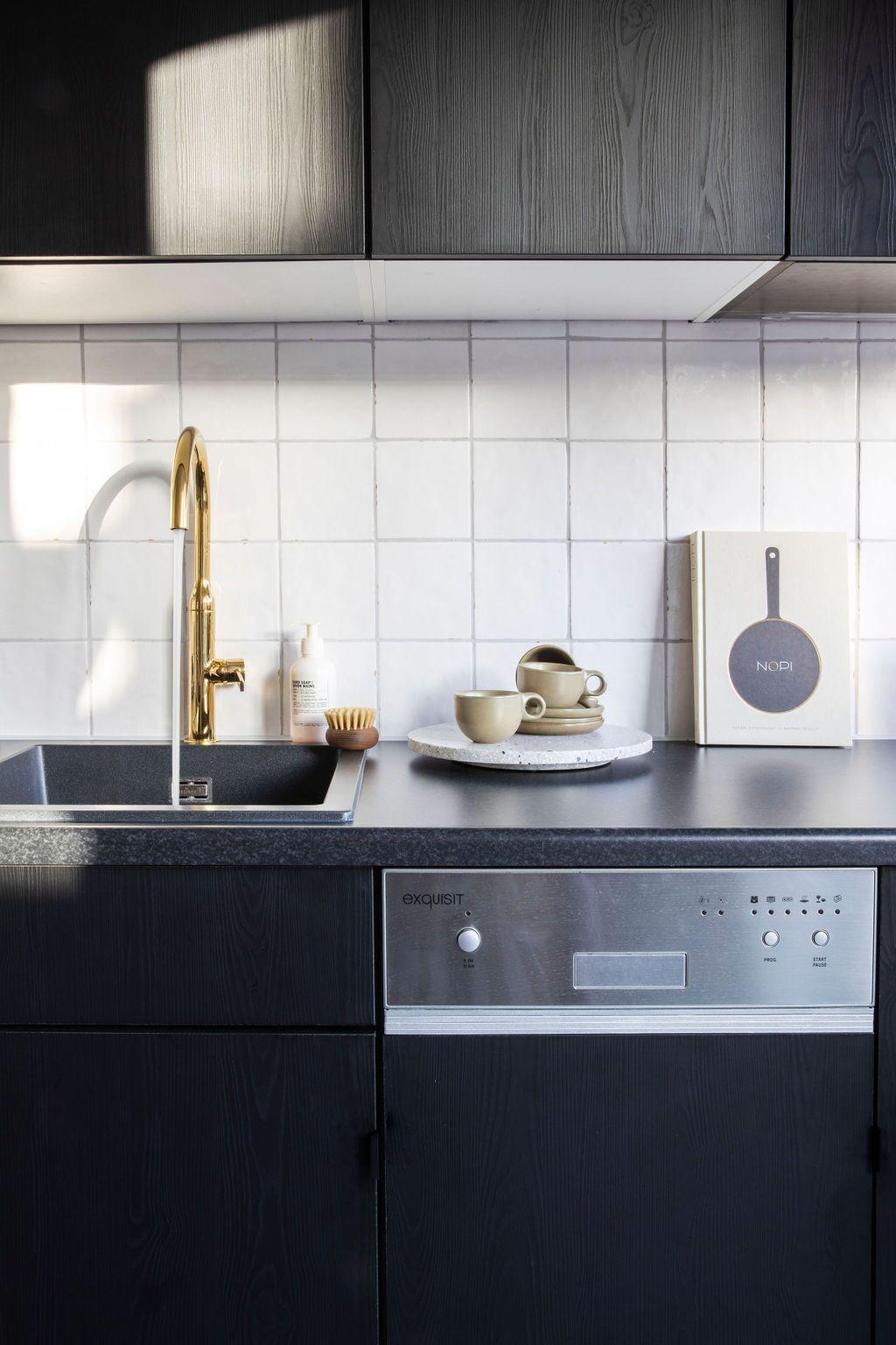 Spaanse azulejos tegeltjes in de keuken. Wandtegels van Designtegels  #wandtegels #keuken #designtegels #spaansetegels #keukentegels #keukeninspiratie