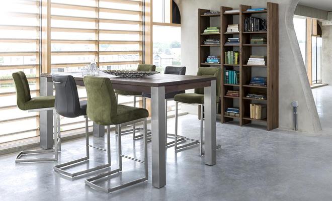 Maak van je keuken een woonkeuken met de meubels van Henders & Hazel. Bartafel More en barkruk Malene #bartafel #keuken #woonkeuken #barkruk #hendershazel