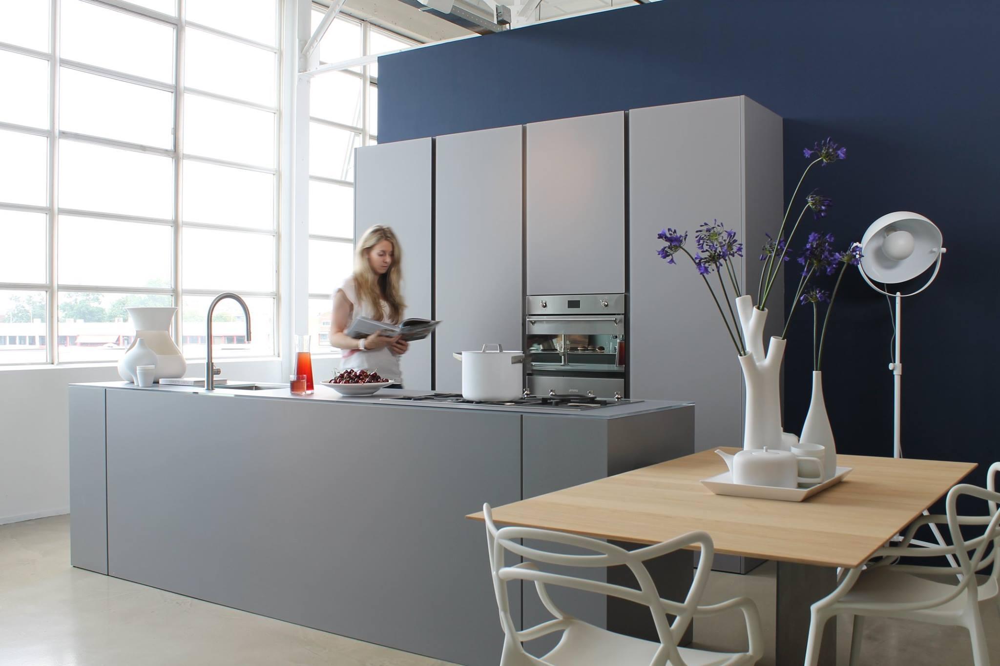Keuken met kookeiland van Modulnova bij Loods 5