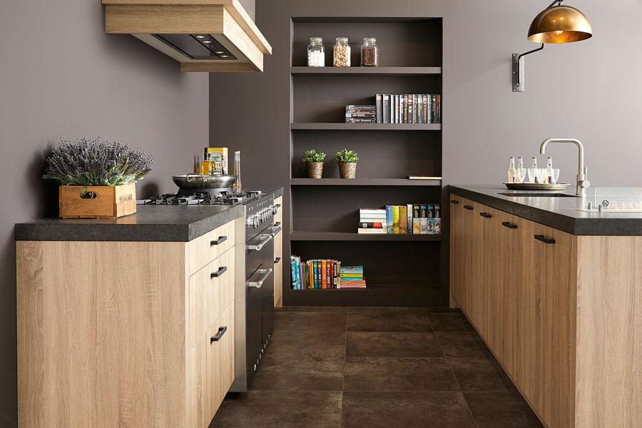Keller keuken. Houten keuken met klassieke uitstraling #keuken #keukeninspiratie #houtenkeuken #kellerkeuken