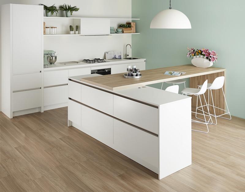 Keller keuken wit met nieuw Scandinavisch design #keller #keuken #keukeninspiratie #scandinavisch #scandinavischestijl