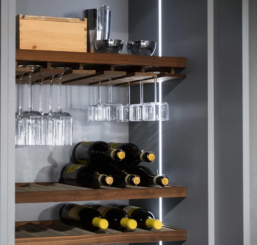 Nieuwe Keuken Kopen Tips : keuken, dat bestaat uit kasten en laden, maar ook voor aan de muur