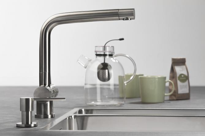 Kraan voor de keuken met L-uitloop - Lavanto Sereno van Dekker Zevenhuizen