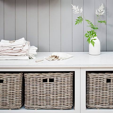 Neptune kast voor bijkeuken of laundry room. Chichester meubel via Martin Zoon Interior Design