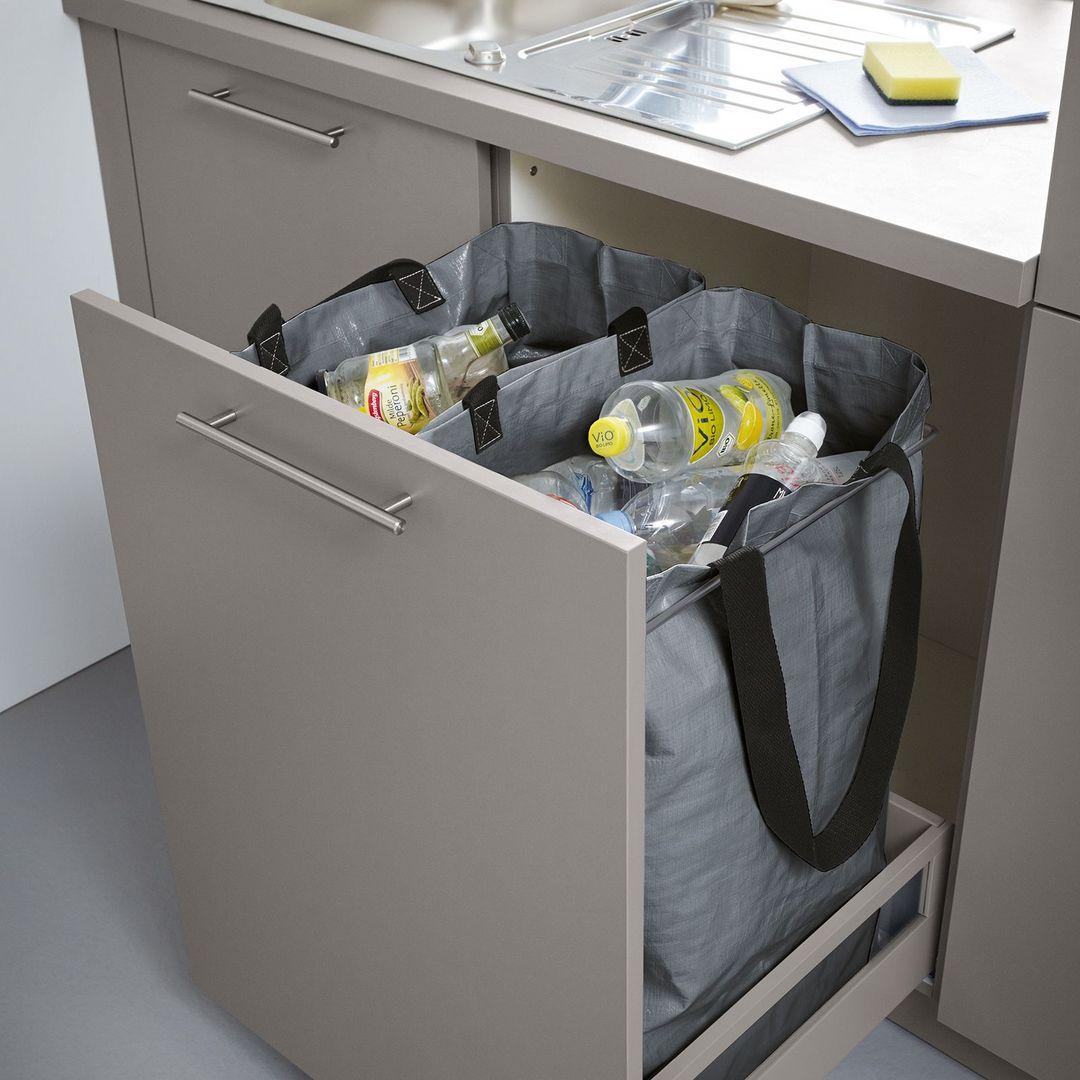 Bijkeuken recycling afval. Recyclingkasten, recyclinglades en recyclingtassen #recycling #bijkeuken #afval