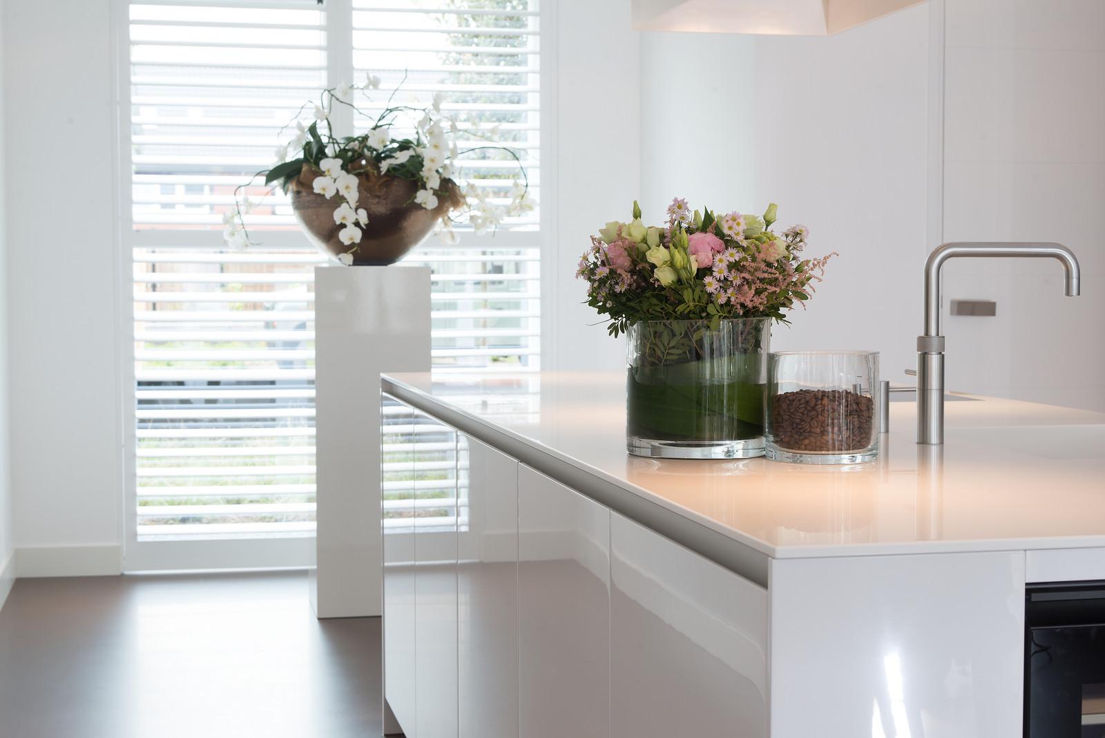 Witte design keuken Snaidero way met kookeiland via Tieleman Keukens