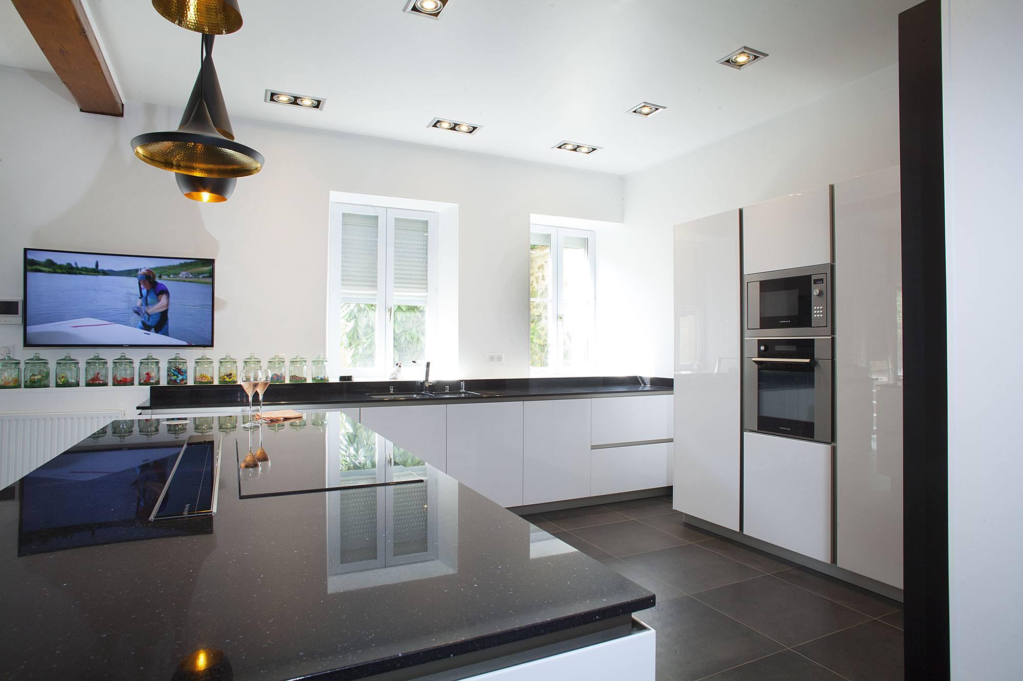 Snaidero greeploze witte designkeuken product in beeld startpagina voor keuken idee n uw - Onderwerp deco design keuken ...