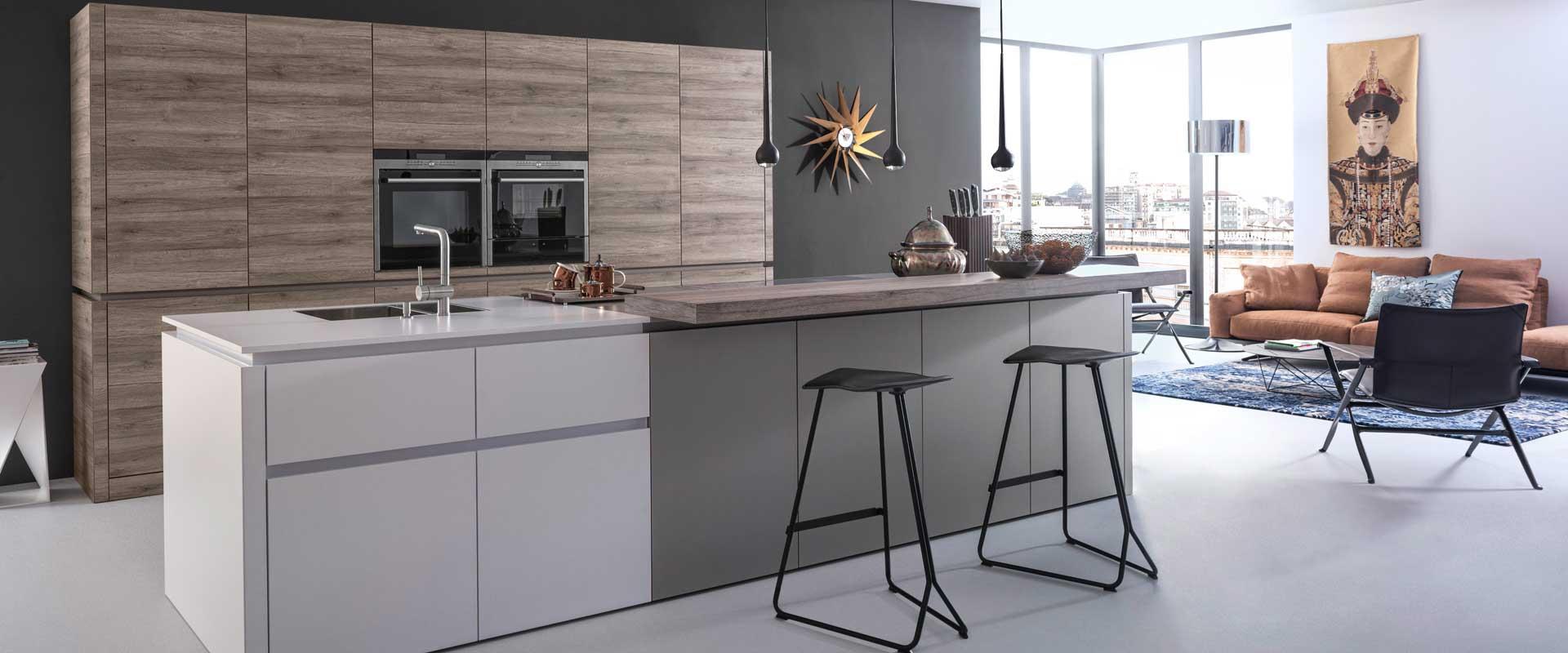 Moderne keuken via Uw KeueknSpeciaalzaak
