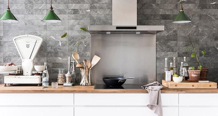 vtwonen tegels keukenwand Classic Grey dessintegel met marmerlook #keuken #vtwonen #keukentegels #tegels #wandtegels #marmer #marmer #marmerlook #douglasjones #keukeninspiratie