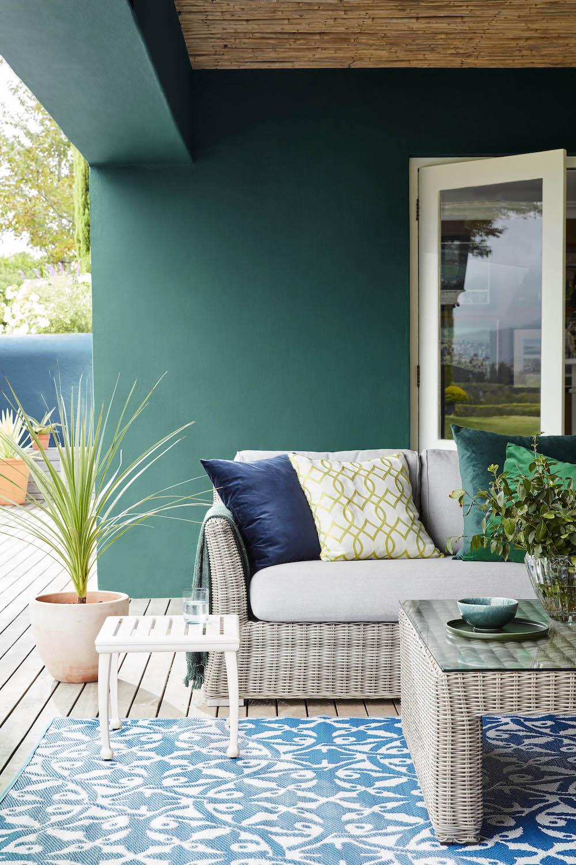Overkapping tuin. Tuininspiratie. Kleur in de tuin. Groen. Buitenverf Little Green #overkapping