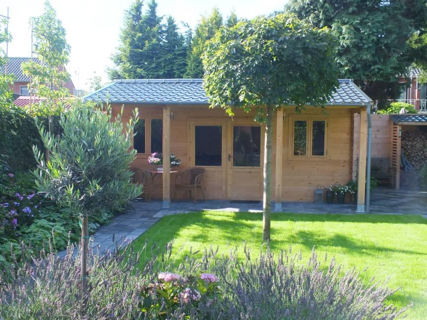 Blokhut in de tuin als tuinkantoor, gastenverblijf, weekendverblijf of mantelzorgwoning. Prima Blokhutten