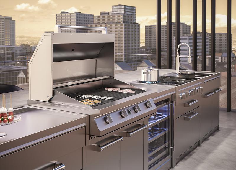 Luxe buitenkeuken met gasbarbecue van Steel Cucine #buitenkeuken #steel #gasbarbecue #tuin #dakterras #buitenkoken