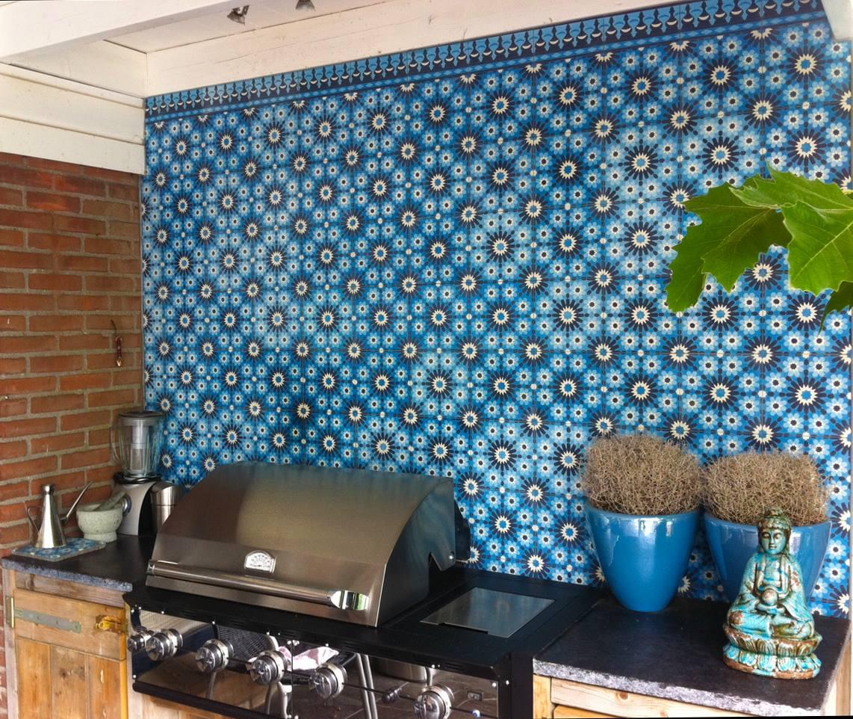 Buitenkeuken met wandtegels van Designtegels.nl #tuin #terras #tuinidee