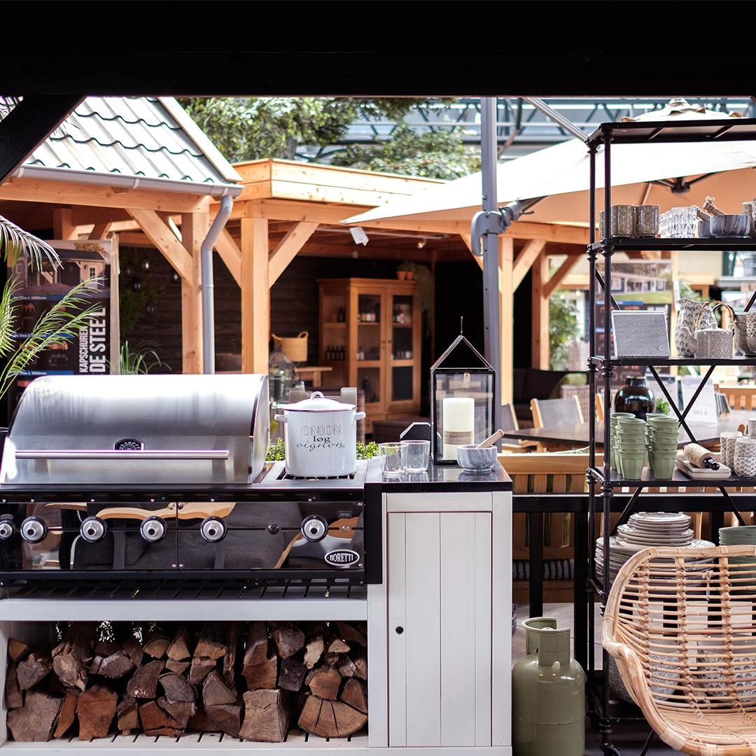Buitenkeuken barbecue via Fonteyn. #buitenkeuken #tuin #tuinidee #tuininspiratie #fonteyn