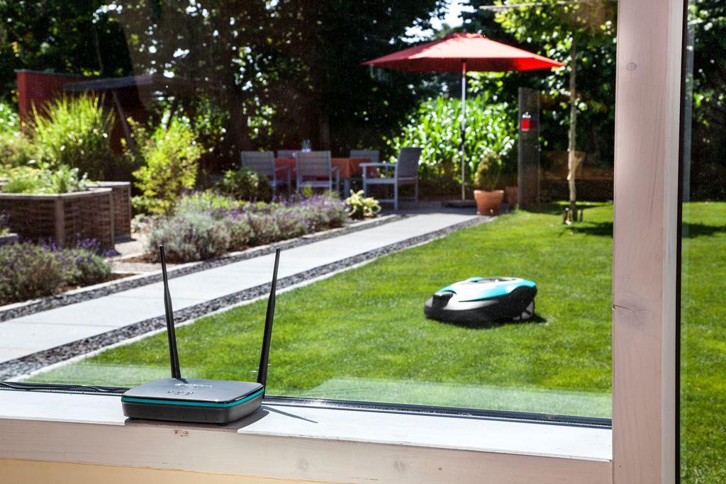 besproeiingscomputer robotmaaier in n automatisch systeem nieuws startpagina voor tuin. Black Bedroom Furniture Sets. Home Design Ideas