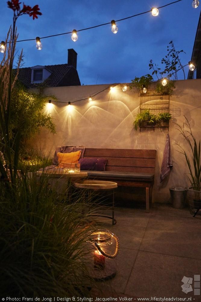 Tuininspiratie. Kleine stadstuin met tuinverlichting @jvla Tuinontwerp Jacqueline Volker #tuininspiratie #stadstuin #tuinverlichting #tuinontwerp #jacquelinevolker