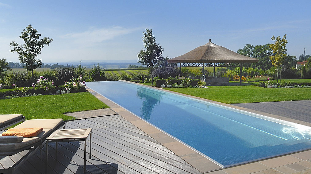 Zwembad in de tuin van polytherm nieuws startpagina voor for Zwembad achtertuin
