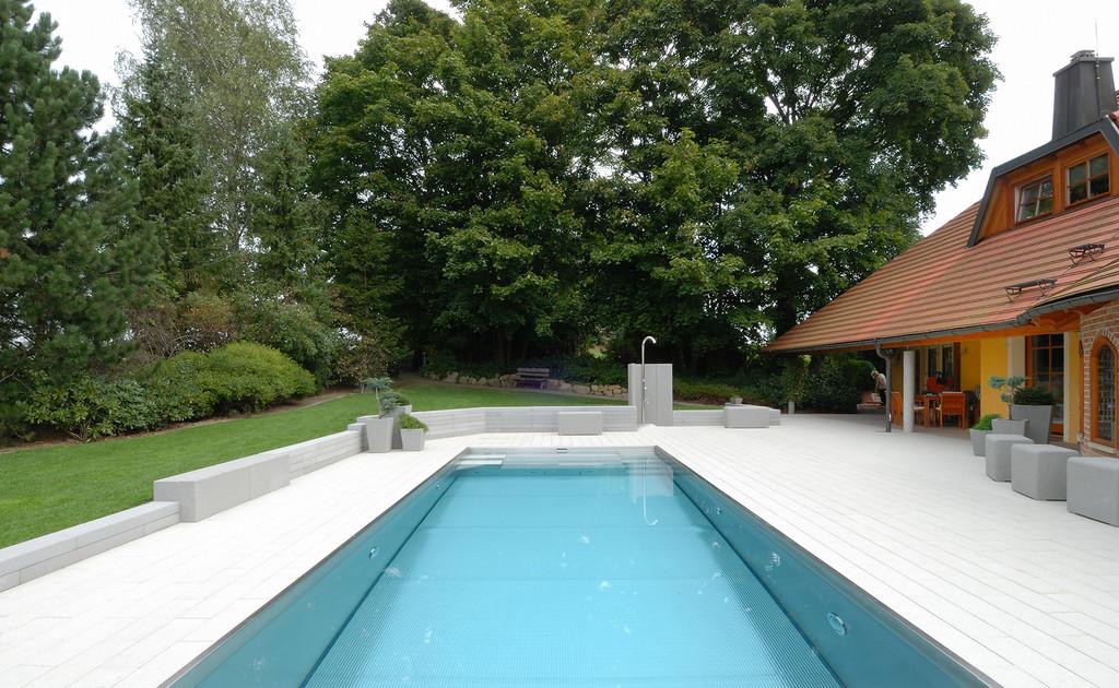 Zwembad in de tuin van edelstaal (RVS) via Polytherm