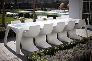 Fixform tafel met pearl stoelen