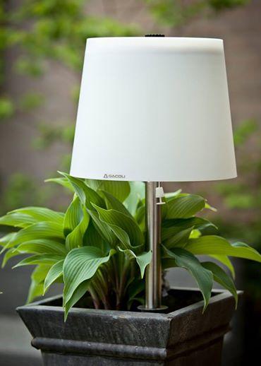 Draadloze tuinlamp Dutch Design om in de aarde te prikken. Van Gacoli