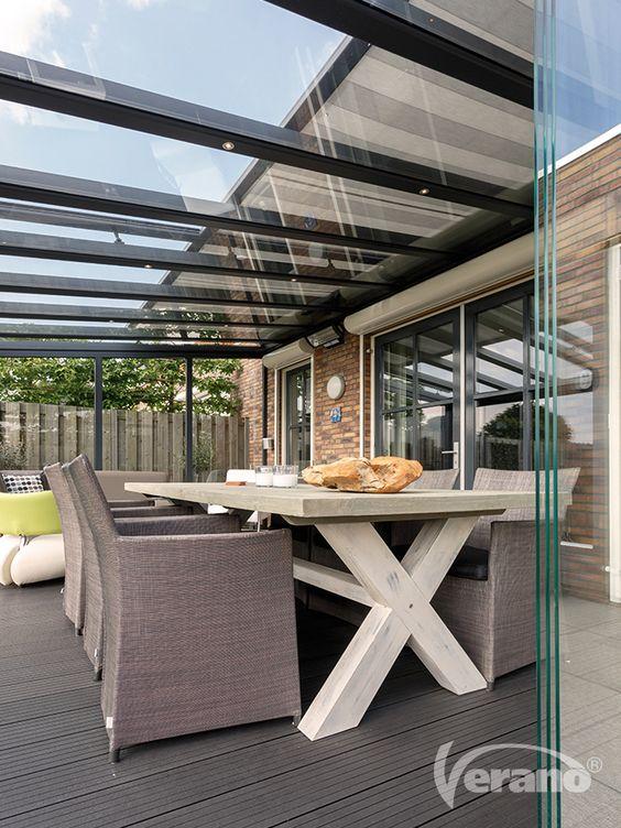 Terrasoverkapping met zonwering en glaswanden - Verano