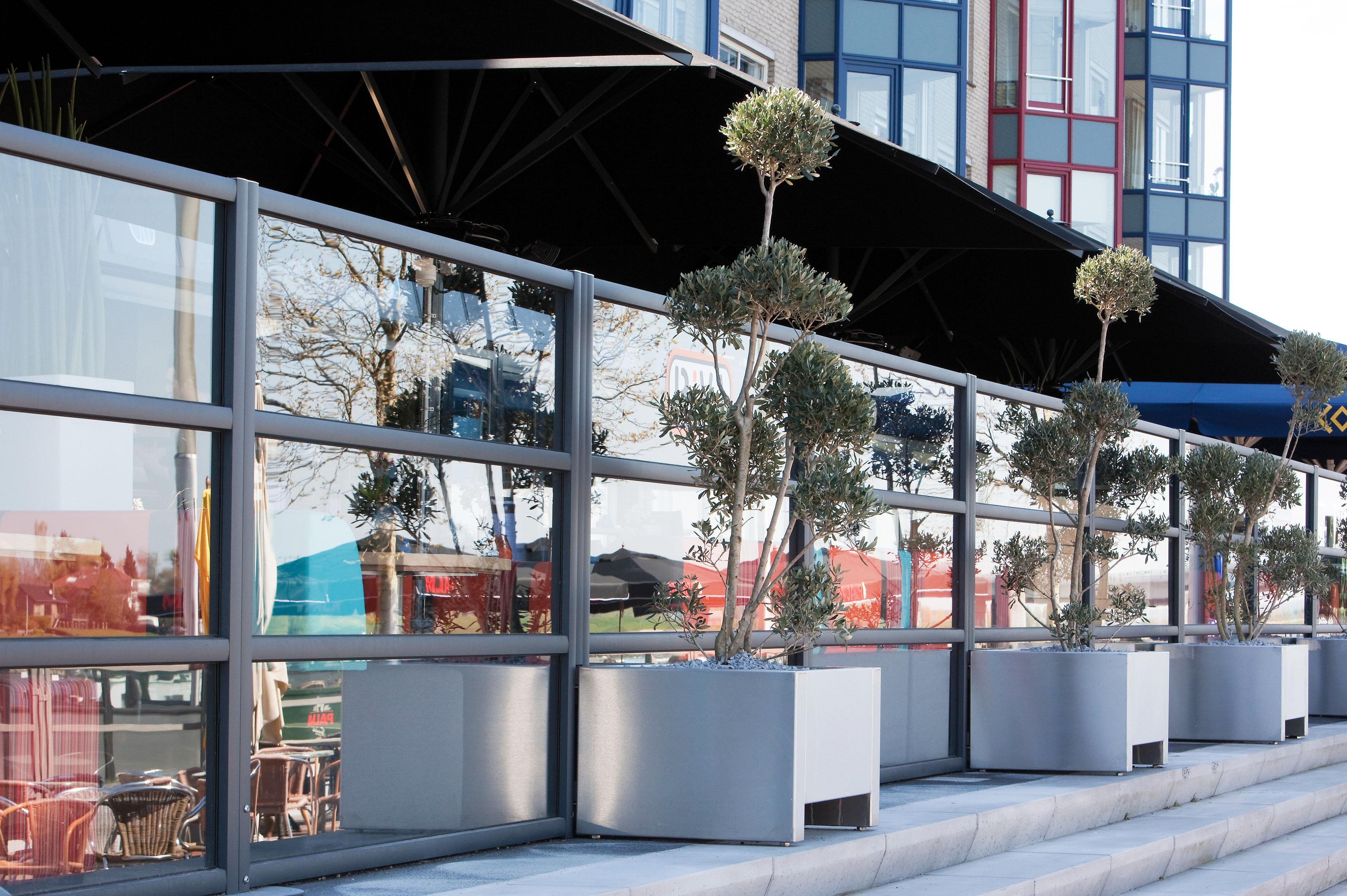 Vier seizoenen genieten van je terras met een windscherm op maat - Windscherm Biarritz van Verano