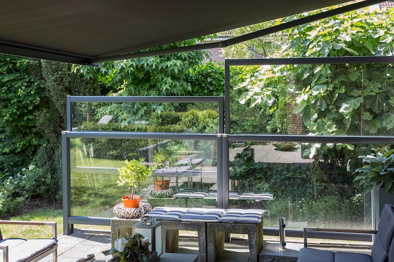 Comfortabel en windvrij op het terras en in de tuin met windschermen van Verano #windscherm #tuin #terras #verano