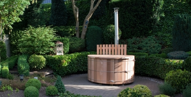 Outdoor luxury! Houten hottub in de tuin via Cerdic #blog #tuin