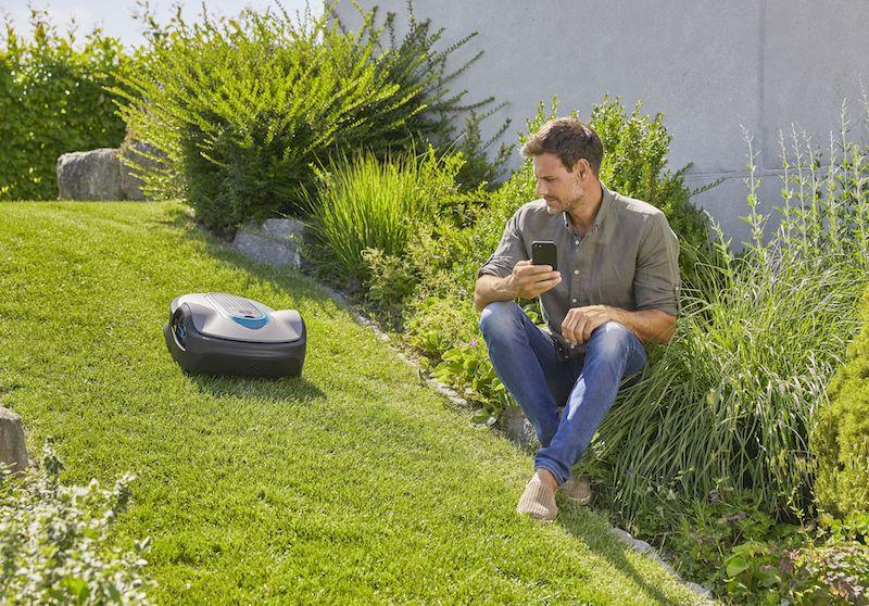 Bedien je robotmaaier via Siri, Google en alexa en geef opdracht om het gras te maaien #gardena #robotmaaier #google #siri #app