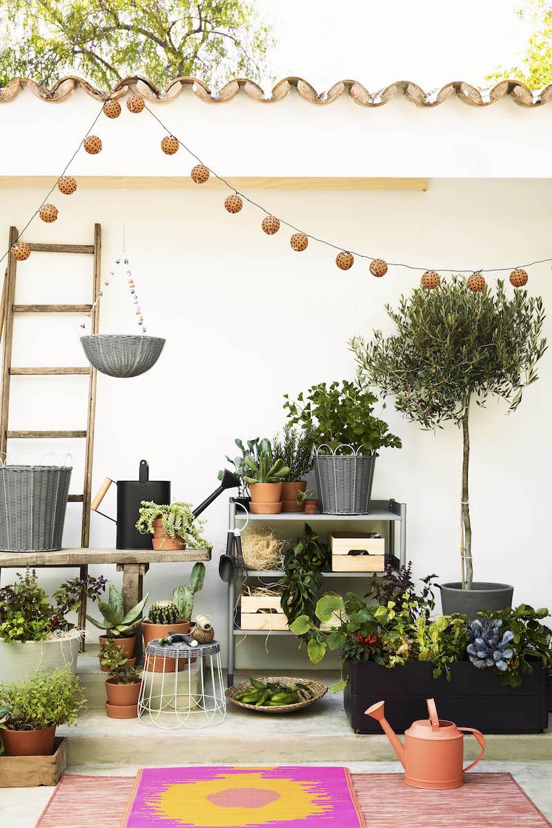 Nieuwe collectie 2017 voor de tuin en balkon van IKEA - plantenstandaard plantenpotten