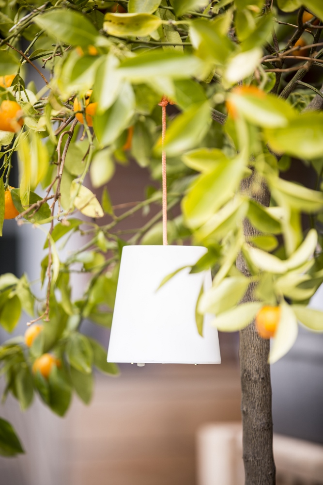 Snoerloos hanglampje met ledverlichting op zonne energie - Chackmate Pendant van Gacoli