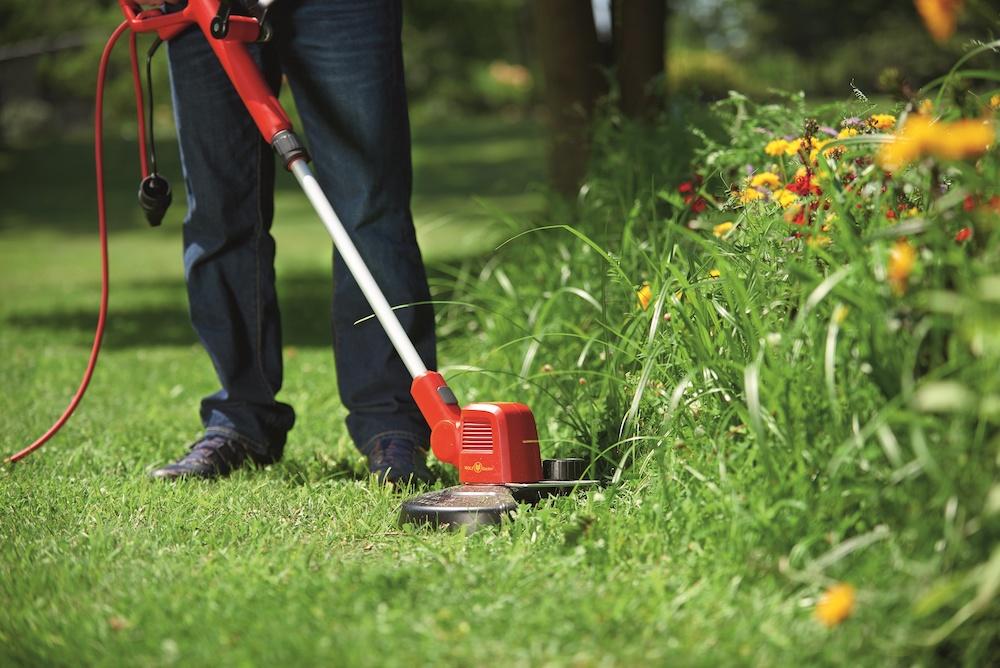 Tuintrends 2020. Slim en ergonomisch tuinieren. Lycos 40V tuinsysteem van Wolf Garten #tuinieren #tuin #tuingereedschap #tuintrends #wolfgarten