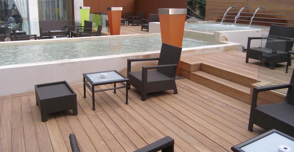 Houten terrasplanken en houten vlonders voor het terras. Exterpark terrassysteem via Zeno Products #tuin #terras #zeno