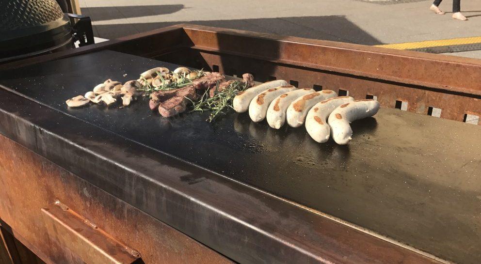 Zeno buitenkeuken met Teppan plaat en module voor de Big Green Egg #buitenkeuken #barbecue #teppan