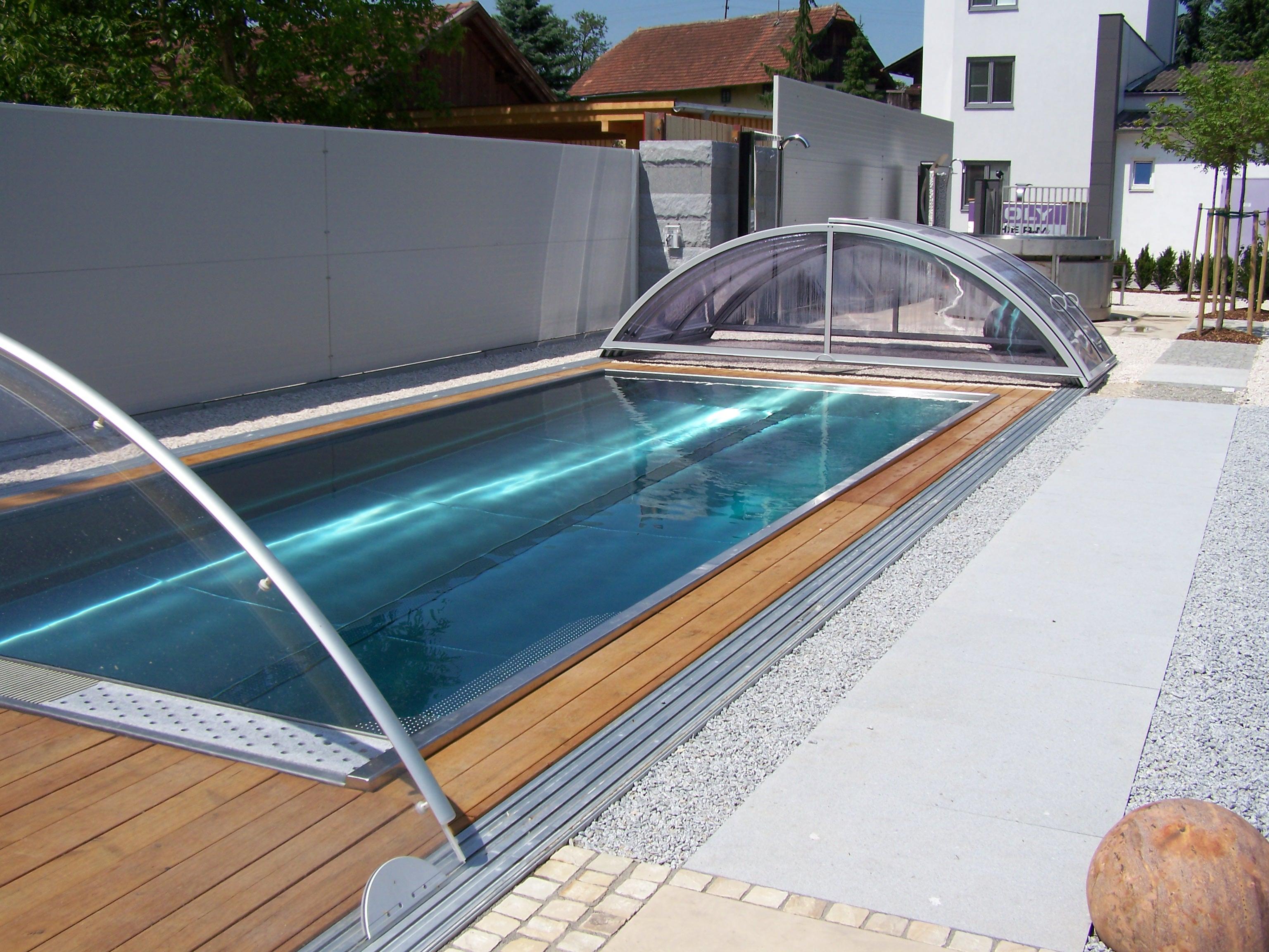Zwembad overkapping van Polytherm edelstalen zwembad