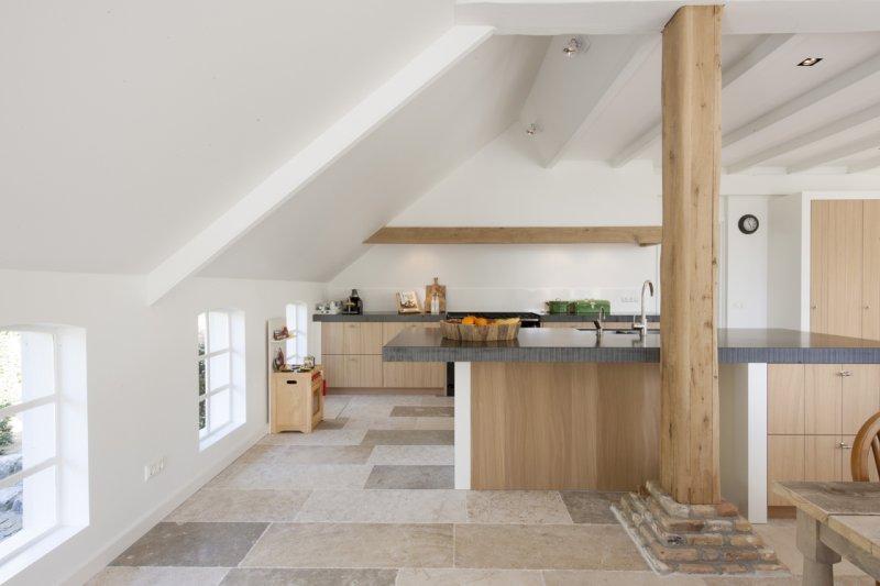 Natuurstenen vloer Bourgondische Dallen via Kersbergen Natuursteen