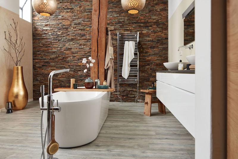 Waterbestendige laminaatvloer in de badkamer #laminaat #vloer #meister