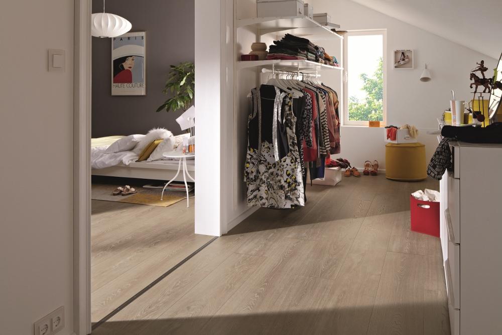 Laminaat vloer in de slaapkamer via Meister