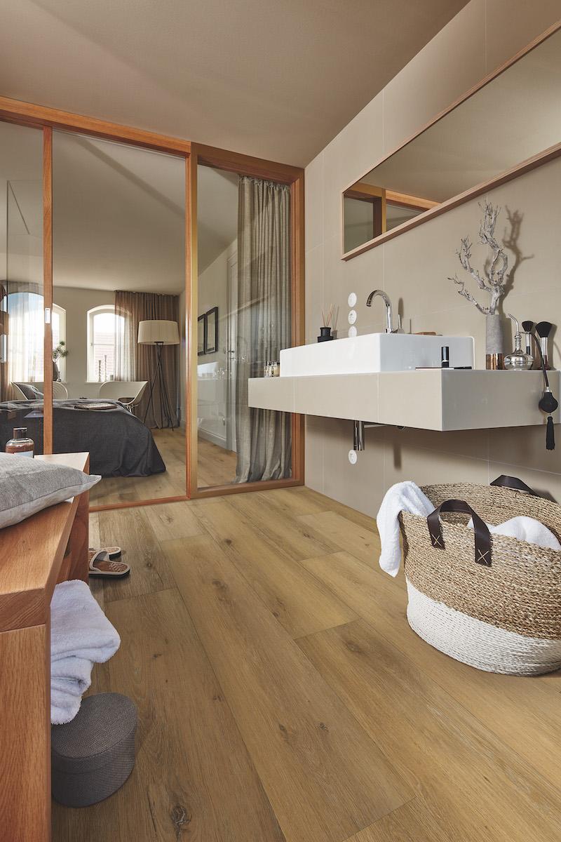 Waterbestendige designvloer met eik houtlook. Badkamervloer Rigid-Core Meister #badkamer #vloer #badkamervloer #meister