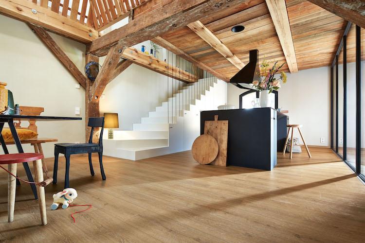 Vinylvloer met de looks van een houten vloer. Nieuwe Meister vloer zonder vinyl #meister #vinylvloer #vloer #vloeren #interieurinspiratie