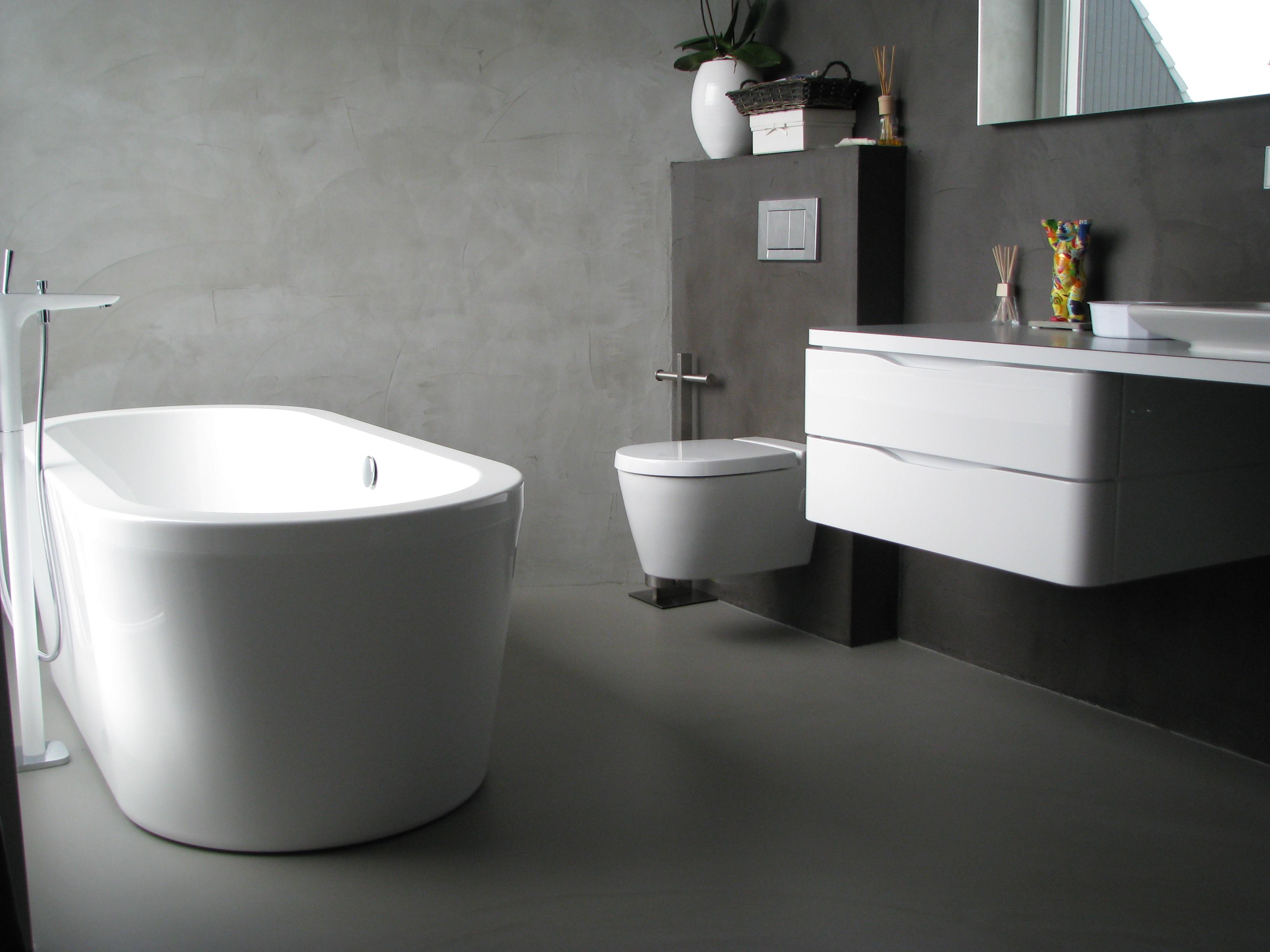 Praktisch Badkamer Gietvloer : Praktische stijlvolle vloeren voor de badkamer nieuws