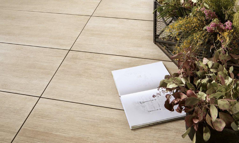 Keramische terrastegels met houtlook via Nibo Stone #terras #tuin #terrastegels #nibostone