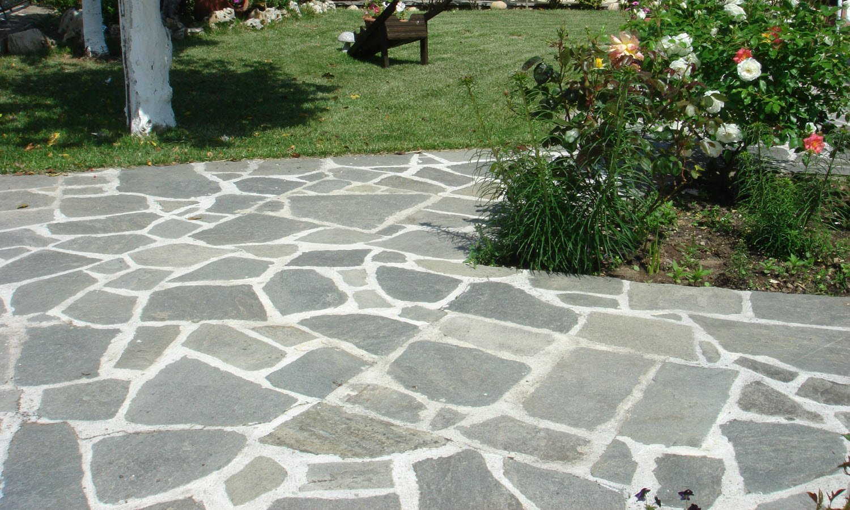 Natuursteen tuintegels van Nibo Stone #tuin #tegels #terras #terrastegels #nibostone