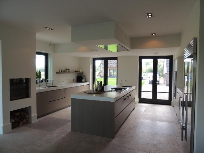 Keuken Natuursteen : Keuken met keukenvloer van natuursteen via Nieuwenhuizen natuursteen