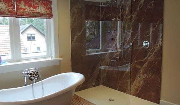 Natuursteen in de badkamer nieuws startpagina voor badkamer idee n uw - Marmeren douche ...