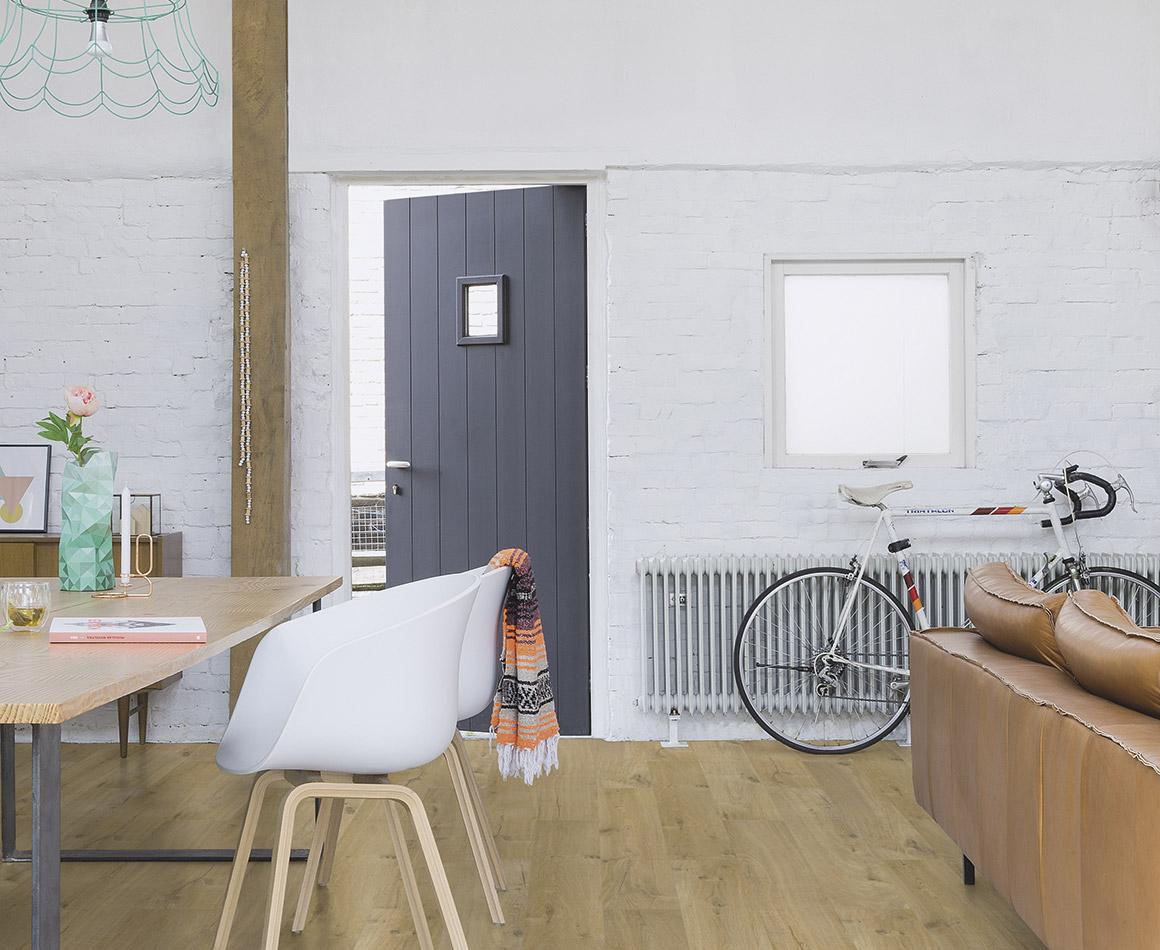 Interieur met waterbestendige laminaatvloer - Quick-Step laminaat Impressive soft eiken natural