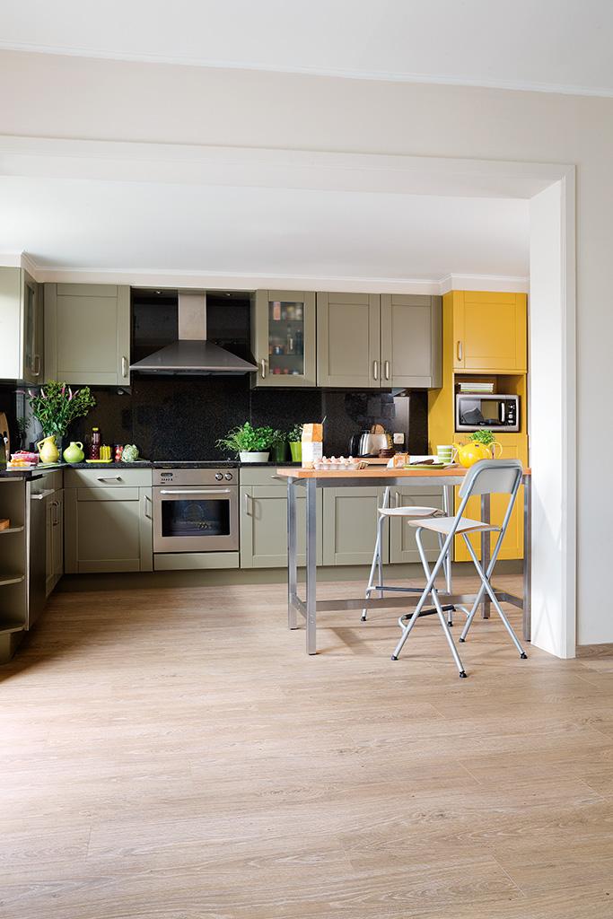Kunststof vloer in keuken - Quick-Step luxe vinyl vloer Livyn