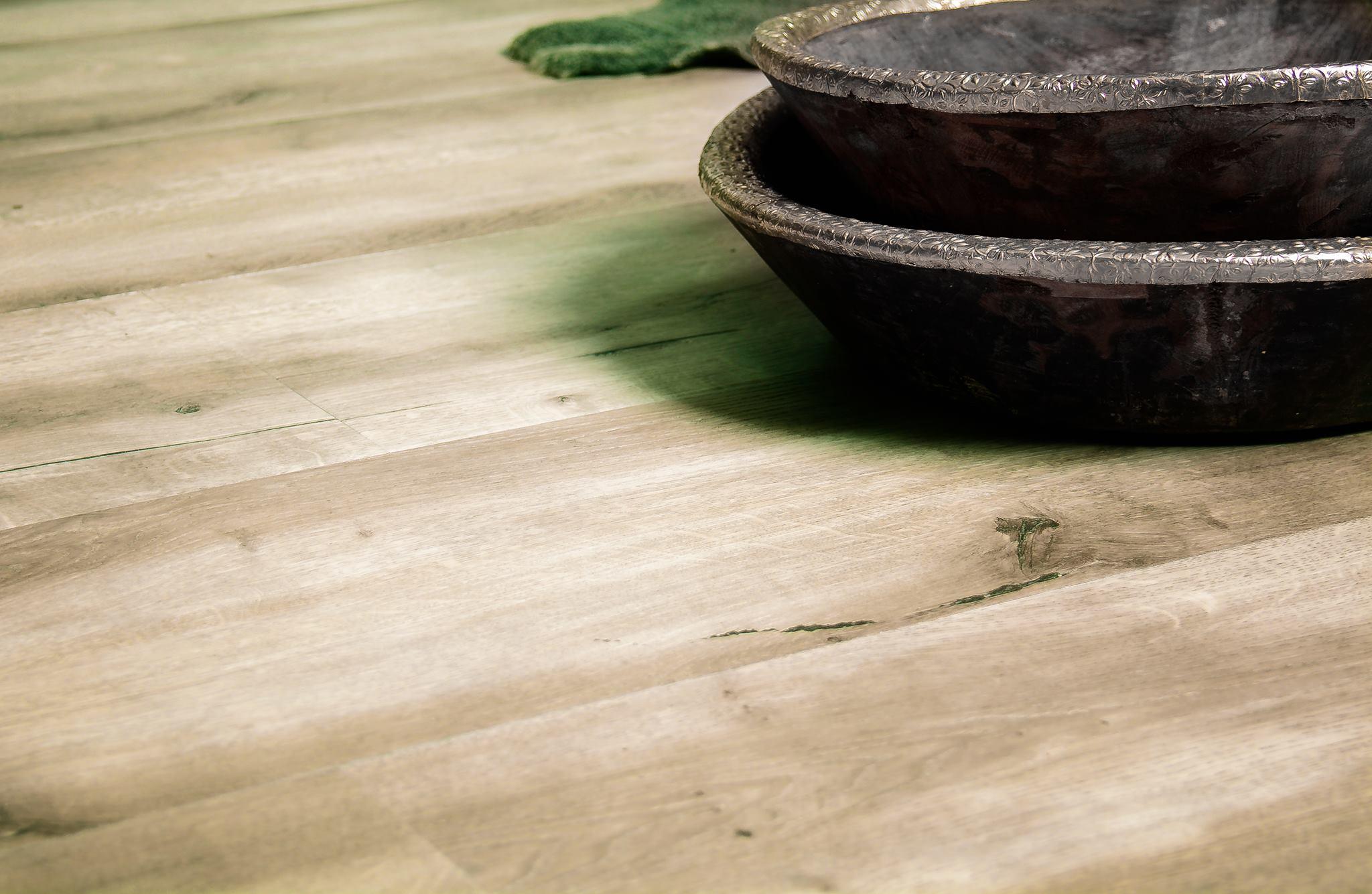 PVC vloer met eikenhout dessin en clicksysteem - Vivafloors clickvloeren